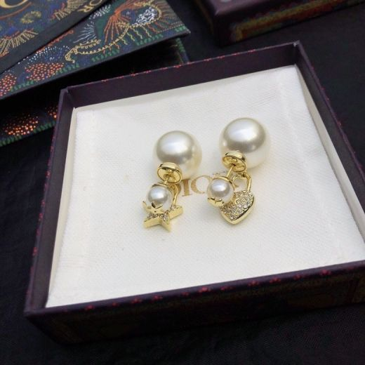 New Authentic Christian Dior CD Heart & Star Asymmetric Pendants White Pearl Earrings Yellow Gold Plated Women's Jewellery