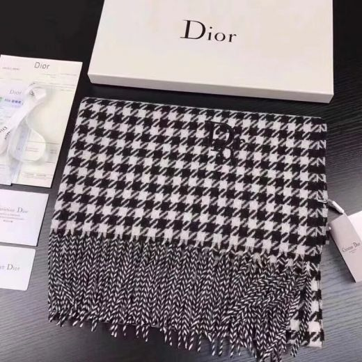 Christian Dior Grey Cashmere Scarves Houndstooth With Tassels Warm Celebrity Style For Sale Unisex Gift