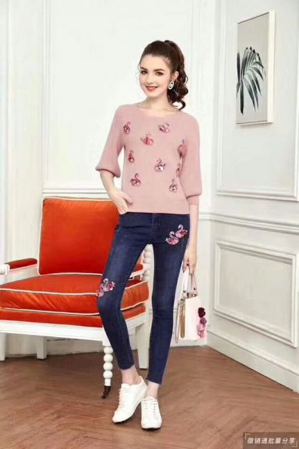 Top Sale Dior Pretty Swan Embroidery Trimming Ladies Suits (Pink 3/4 Sleeve Sweaters + Slim-fit Jeans )